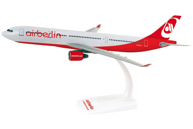 A nyeremény a képen szereplő  Air Berlin Airbus A330-as modell eredeti csomagolásban. (Fotó: Air Berlin) | © AIRportal.hu