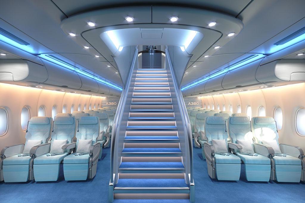 Az elegáns, ám méretes főlépcső helyett takarékosabb elrendezésű feljárón dolgozik a gyártó (Fotó: Airbus) | © AIRportal.hu