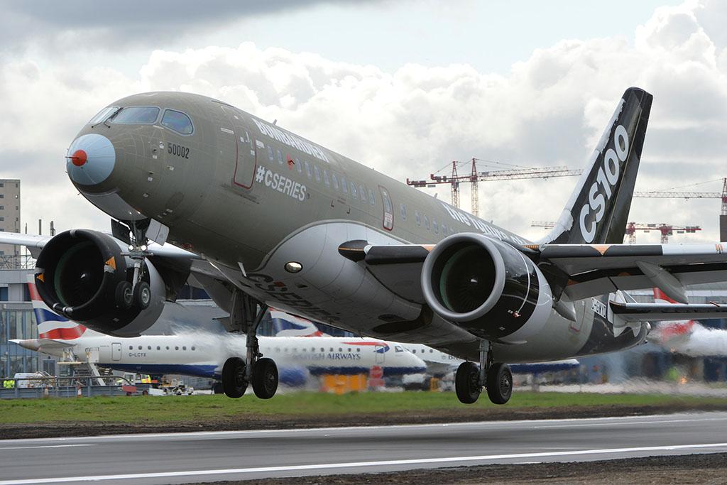 A kanadai gyártó nem kevesebbet állít, mint hogy a CS100-as a London-City reptér jövője, ezt írták nagy betűkkel a prototípus törzsére. (Fotó: Bombardier) | © AIRportal.hu