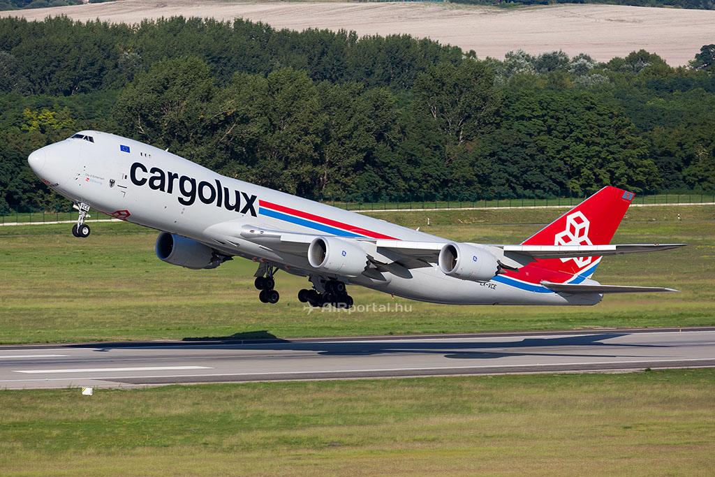 A Cargolux Boeing 747-8F repülőgépe Budapesten. (Fotó: AIRportal.hu)   © AIRportal.hu