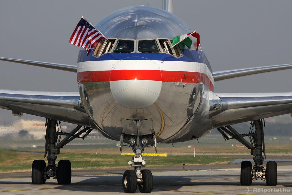 Az American Airlines első járatának köszöntése Budapesten 2011-ben. (Fotó: AIRportal.hu)   © AIRportal.hu