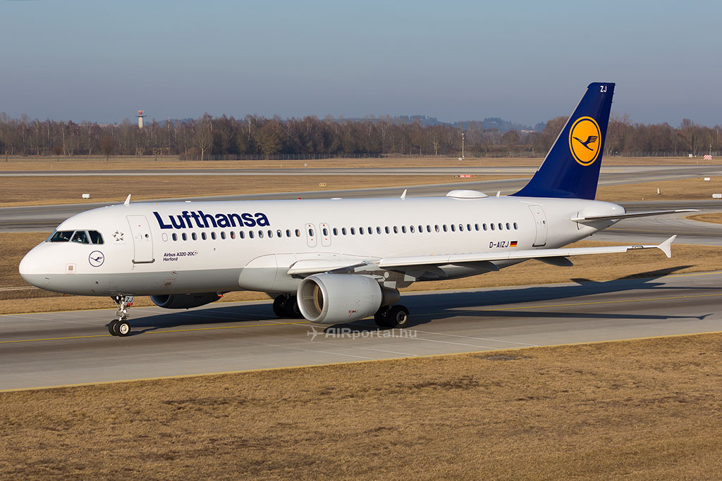 A Lufthansa egyik fedélzeti internettel felszerelt Airbus A320-as repülőgépe Münchenben. (Fotó: AIRportal.hu)   © AIRportal.hu