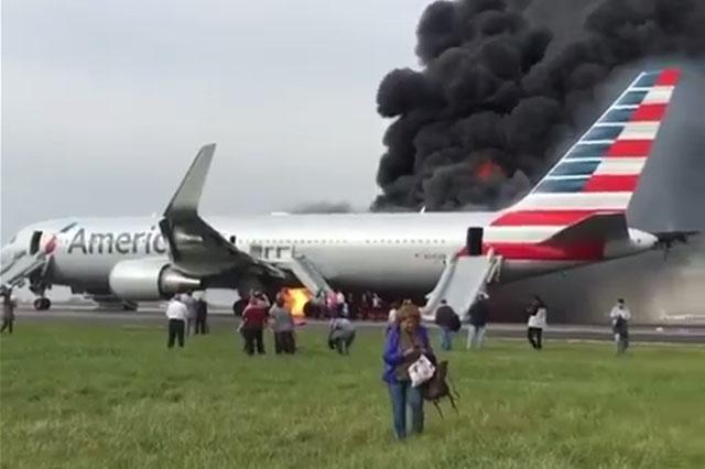 Az American Airlines Boeing 767-esének balesete Chicagóban. | © AIRportal.hu
