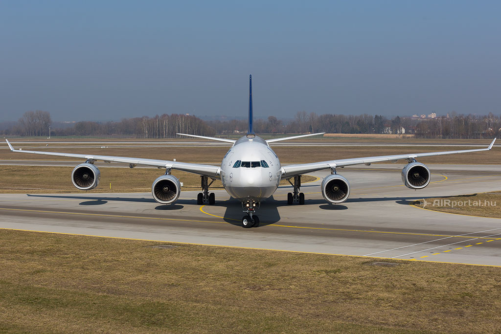 A Lufthansa A340-600-as repülőgépe. (Fotó: AIRportal.hu)   © AIRportal.hu