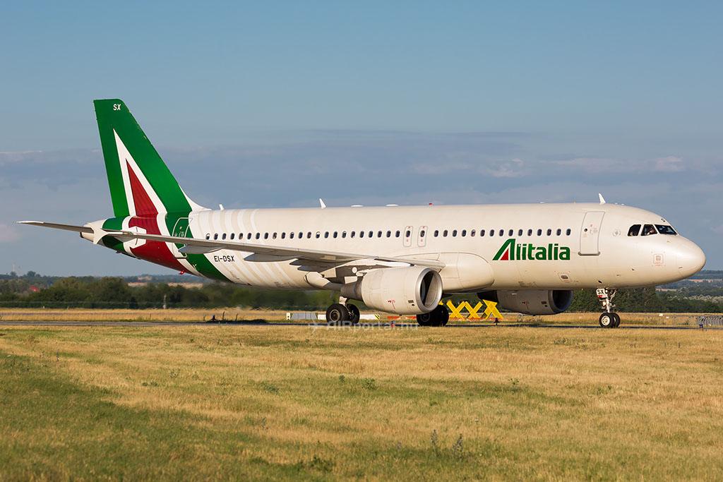 Az olasz cég Airbus A320-as repülőgépe az új arculatban (Fotó: AIRportal.hu) | © AIRportal.hu