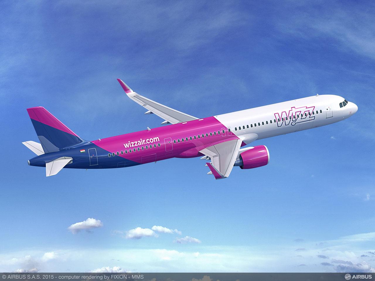 A321neo a Wizz Air színeiben az új ajtókiosztással, két-két szárny feletti vészkijárattal. (Forrás: Airbus) | © AIRportal.hu