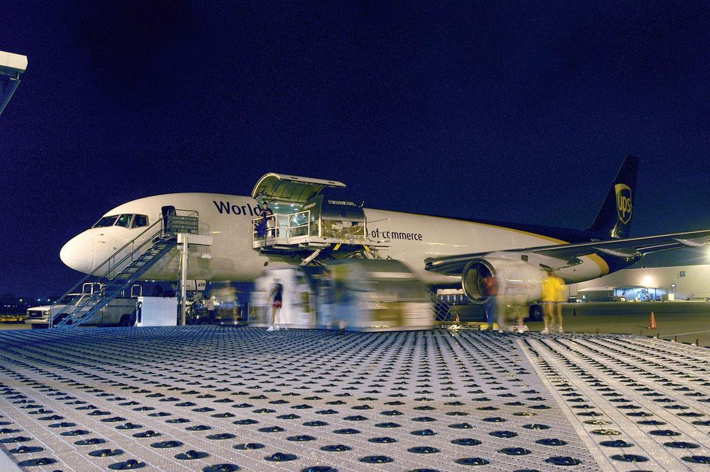 A UPS egyik (Budapestre is közlekedő) Boeing 757-ese a kölni bázison. (Fotó: UPS) | © AIRportal.hu