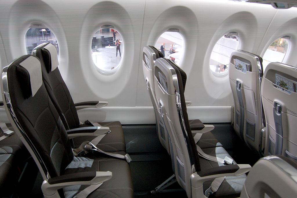 A Swiss Bombardier CS100-asának egyik széksora. (Fotó: AIRpotal.hu) | © AIRportal.hu