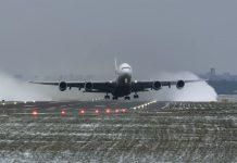 2ffecf6472e4 Újabb videó került elő az Enter Air 737-es veszélyes salzburgi ...